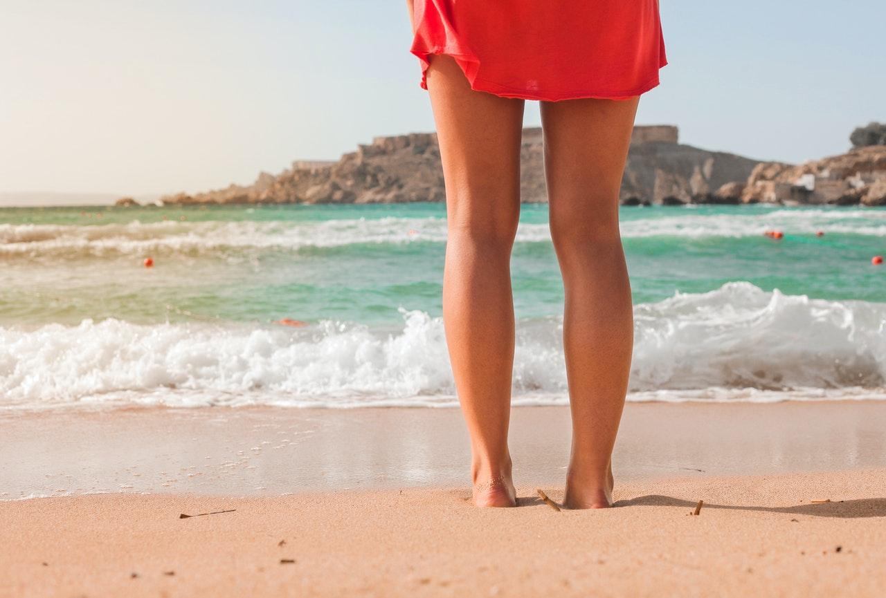Jak vyzrát na pocit těžkých nohou během cestování