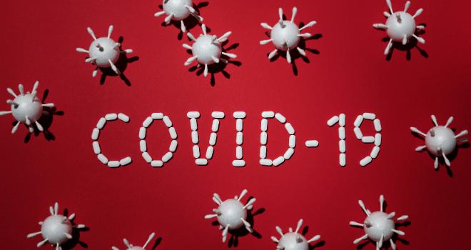 5 najnovších zistení o COVID-19: Vitamín C ako hlavný liek proti koronavírusu?