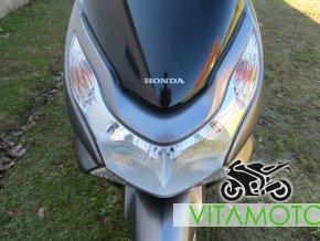 Honda PCX 125 - světlo přední