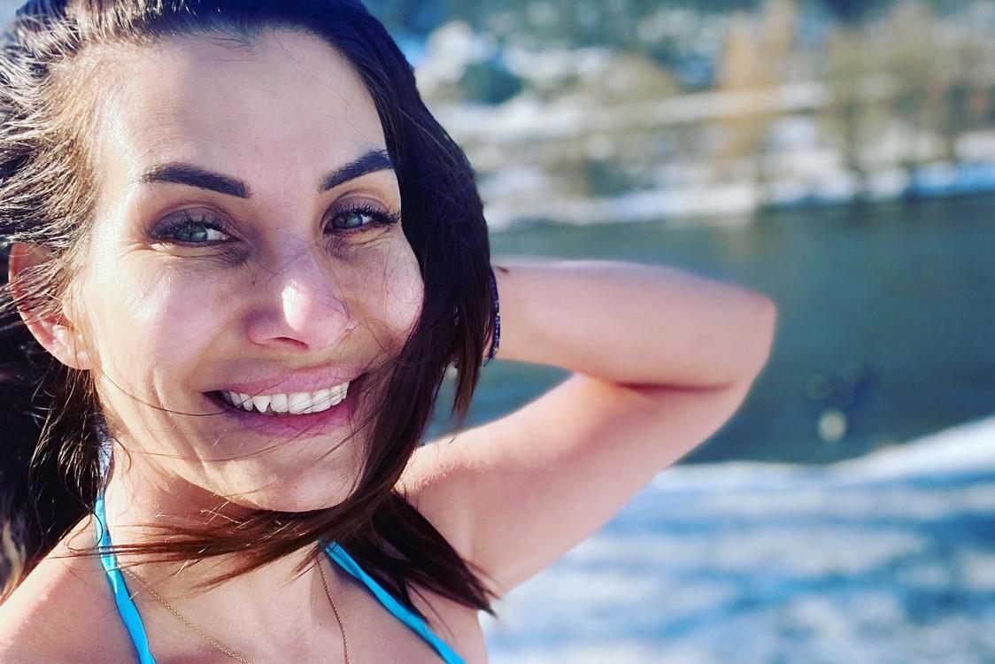 Decastelo v rouše Evině: Plavky neodloží ani v -3 stupních