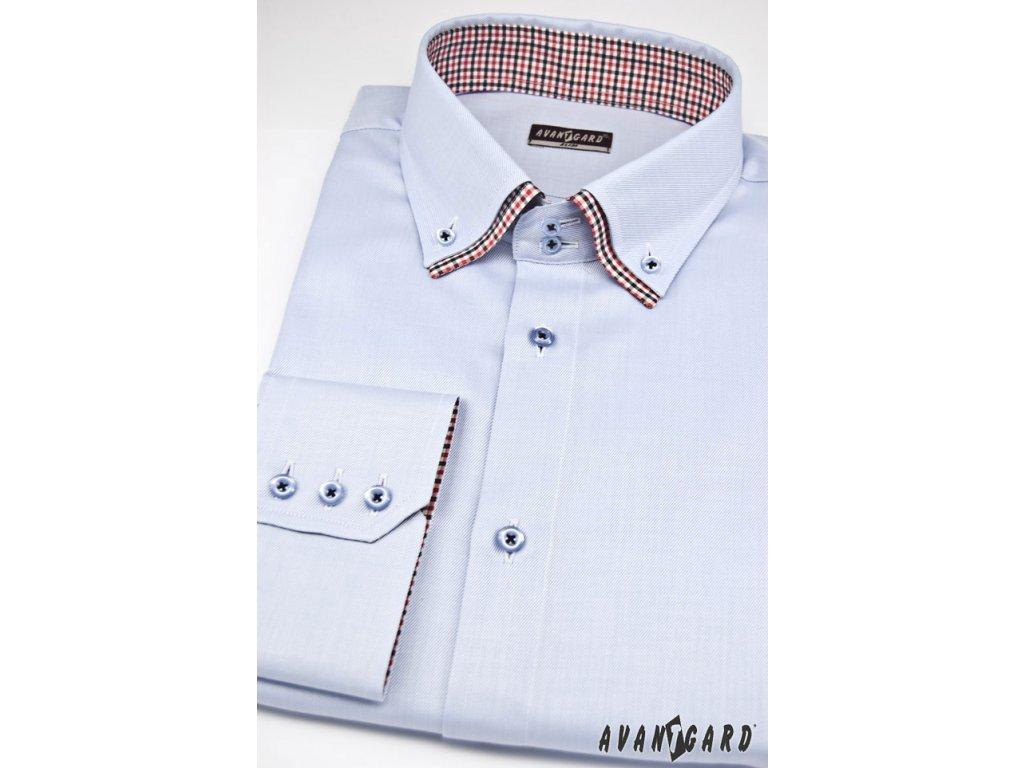 1981ae7e9b3 Pánská světle modrá luxusní košile s kombinovaným barevným límcem ...