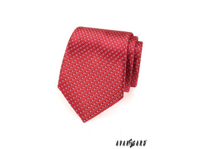 Červená kravata se světlým drobným vzorem