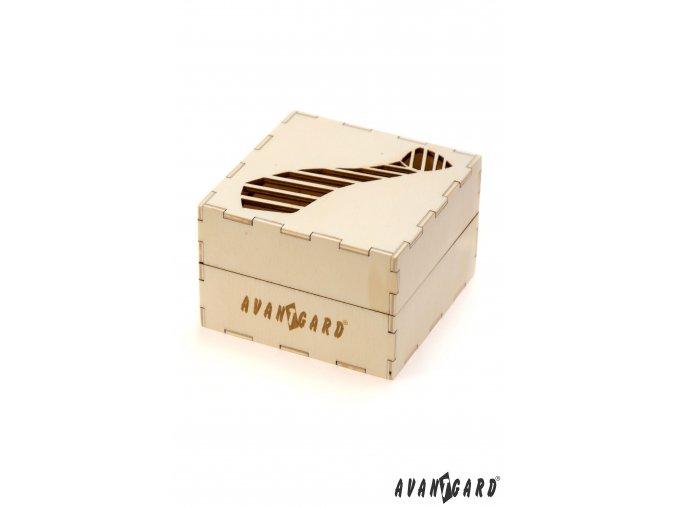 Dřevěná dárková krabička s vyrytou kravatou