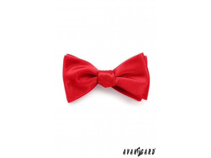 Červený lesklý pánský vázací motýlek + kapesníček do saka