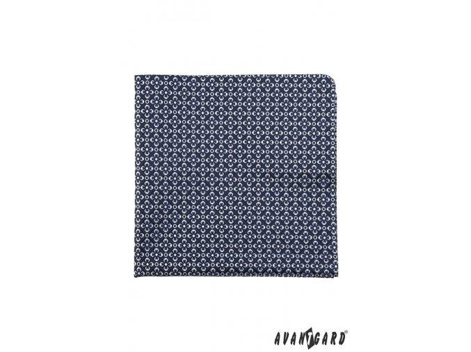 Tmavě modrý kapesníček s bílým květovaným vzorem