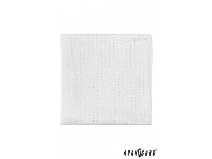 Bílý kapesníček s jemným lesklým vzorem