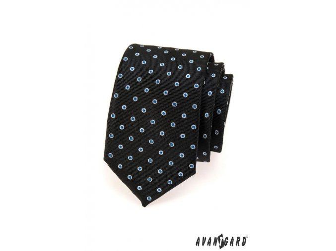Černá kravata s modrými tečkami
