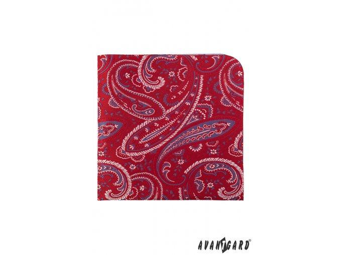 Červený kapesníček s modrým a bílým vzorem