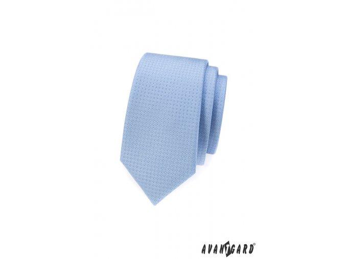 Světle modrá slim kravata s tečkami stejné barvy