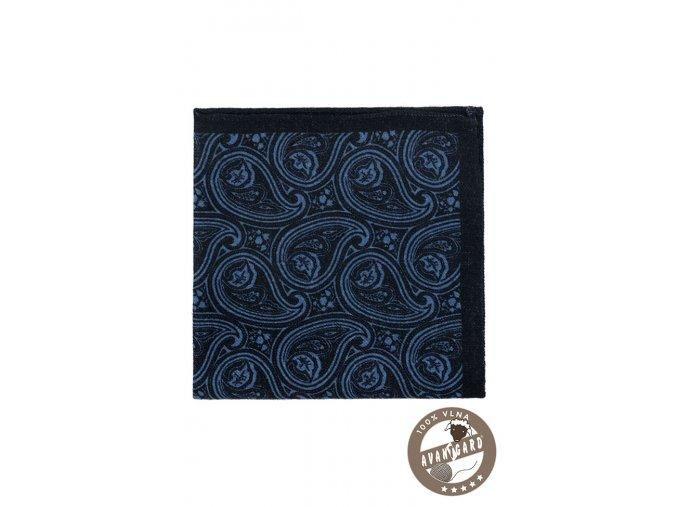 Velmi tmavě modrý kapesníček se světlým vzorem