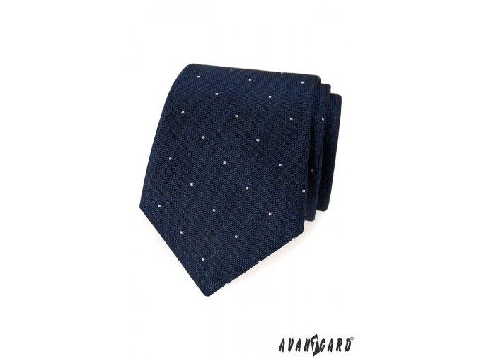 Modrá kravata s bílými puntíky