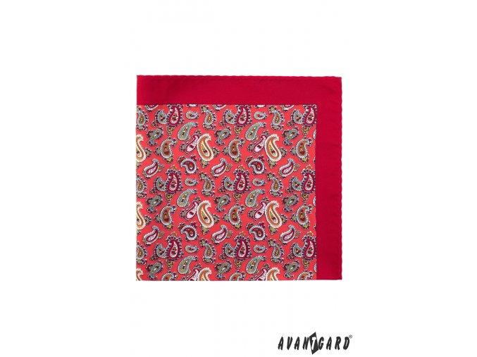 Červený kapesníček se zajímavým vzorem