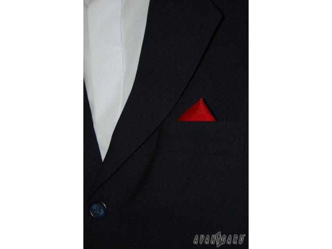 Červený jednobarevný kapesníček