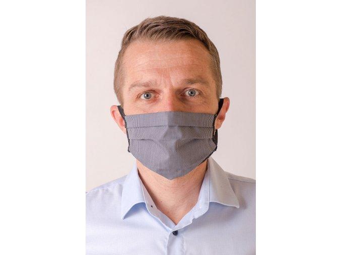 Černá pánská ochranná rouška na obličej s proužky (s gumičkami)