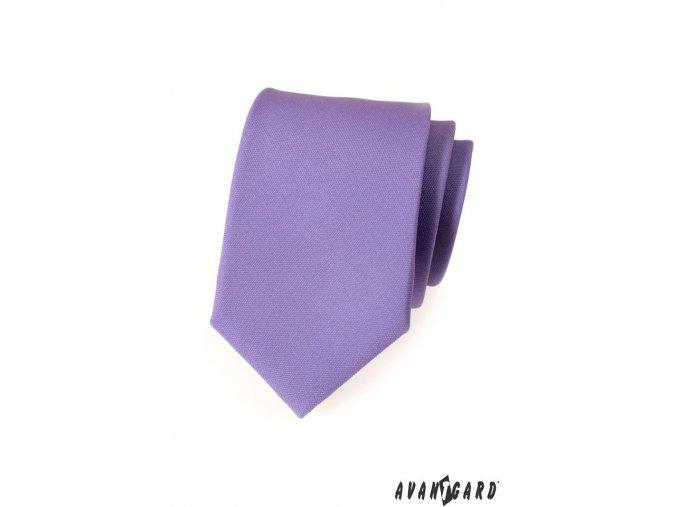 Světle fialová kravata s hladkým povrchem
