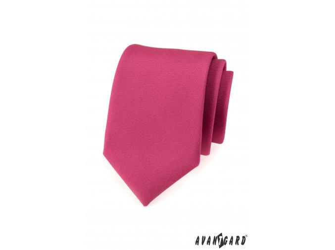 Sytě fuchsiová kravata s hladkým povrchem