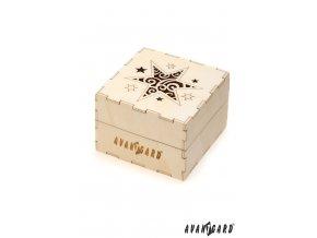 Dřevěná dárková krabička se zdobenou hvězdou