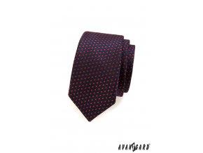 Velmi tmavě modrá slim kravata s červenými kostičkami