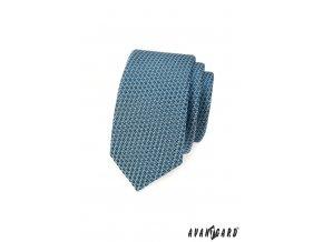 Modrá slim kravata se vzorem
