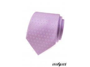 Lila kravata se vzorem