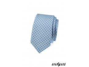 Světle modrá slim kravata s tečkami