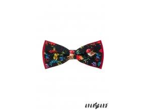 Černý motýlek s květy a červeným pozadím + kapesníček do saka