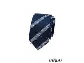 Modrá slim kravata s bílými šikmými proužky