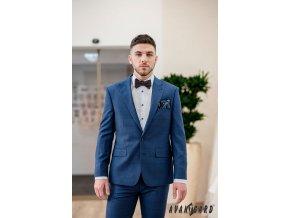 Modrý kapesníček s tenkým modrým okrajem