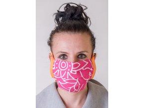 Růžová ochranná rouška na obličej s kapsou a oranžovými šňůrami