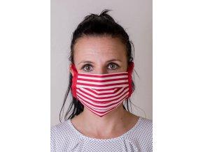 Červená ochranná rouška na obličej s proužky a se šňůrami