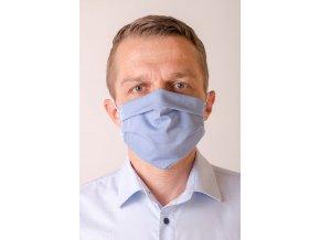 Světle modrá pánská ochranná rouška na obličej s gumičkami