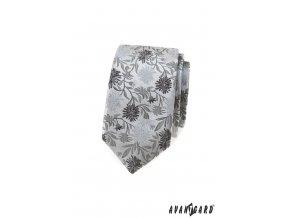 Světle šedá luxusní pánská slim kravata s květovaným vzorem