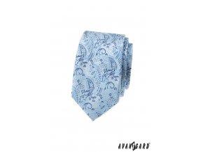 Světle modrá luxusní pánská slim kravata se vzorem