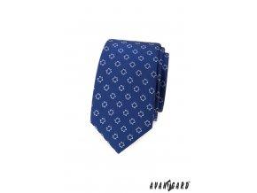 Modrá luxusní pánská slim kravata s květinkami