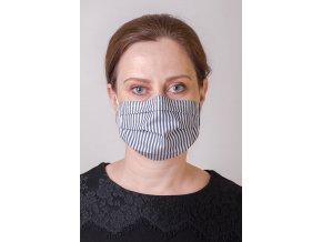 Úzce proužkovaná černo-bílá dámská ochranná rouška na obličej s kapsou, dvouvrstvá, skládaná (s gumičkami)