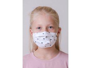 Bílá dětská ochranná rouška na obličej se srdíčky a s kapsou, dvouvrstvá, s tvarovacím drátkem (s gumičkami)