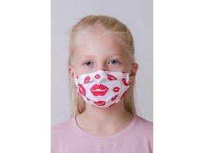 Bílá dětská ochranná rouška na obličej se vzorem - Rty s kapsou, dvouvrstvá, s tvarovacím drátkem (s gumičkami)