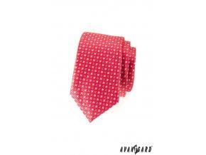 Korálová slim kravata s drobným barevným vzorem