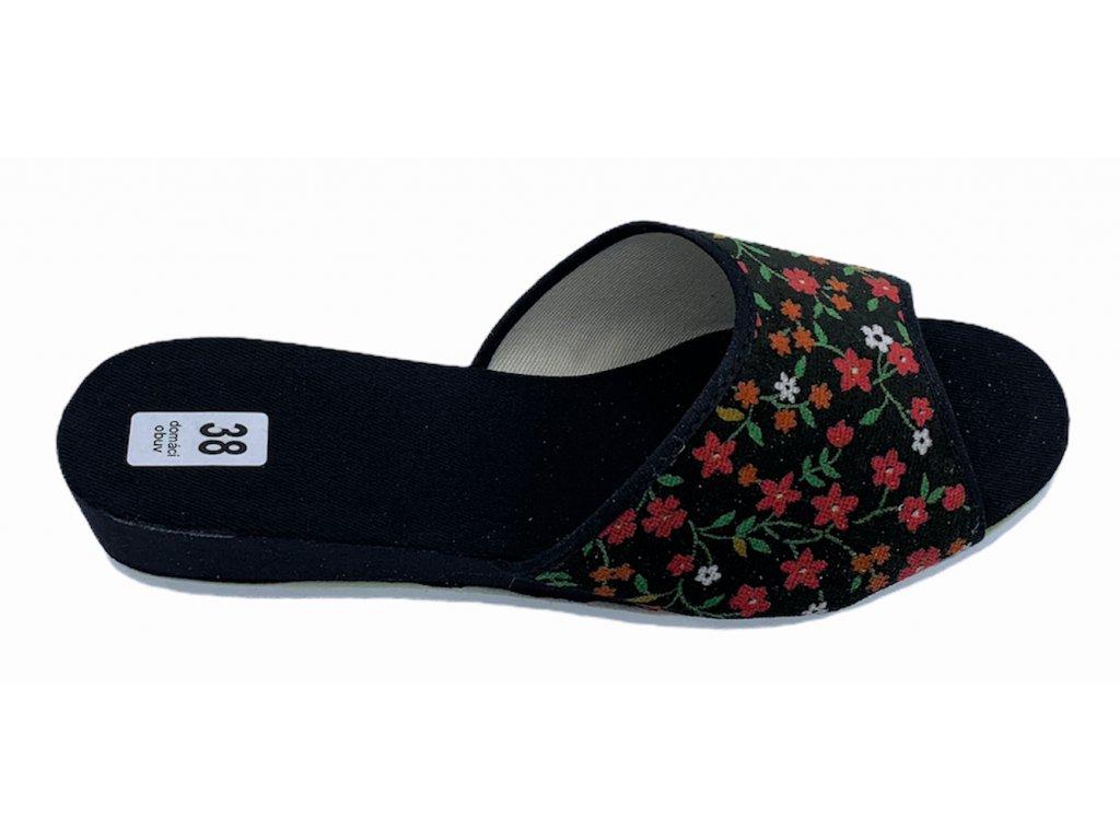 Dámské domácí pantofle Bokap 010 černá s kytkami