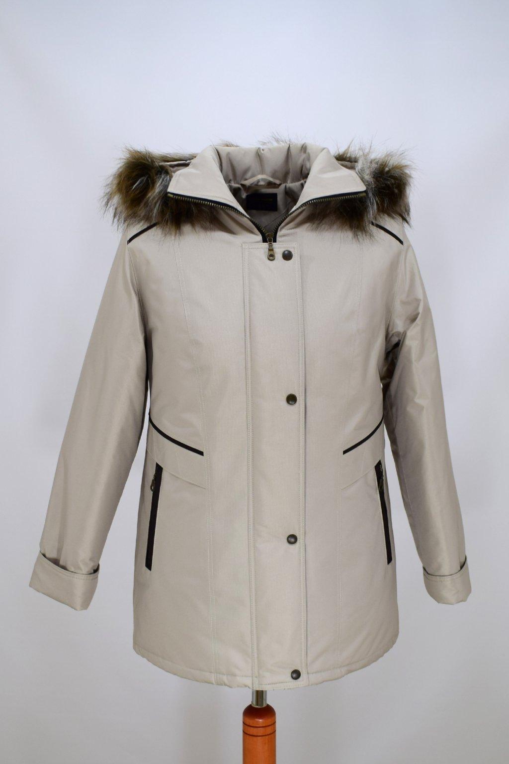 Dámská smetanová zimní bunda Jitka nadměrné velikosti.