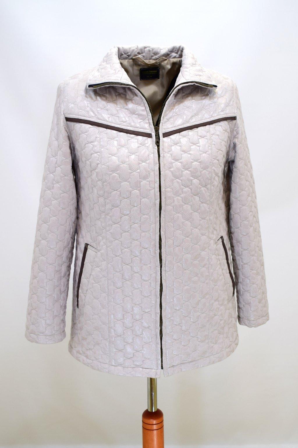 Dámská béžová přechodová bunda Rita nadměrné velikosti.