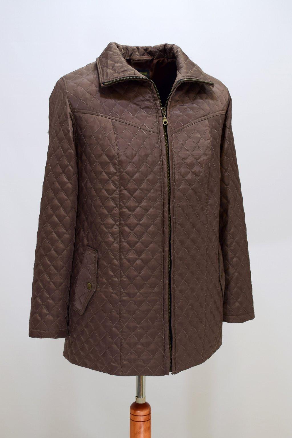 Dámská oříšková přechodová bunda Ilona nadměrné velikosti.