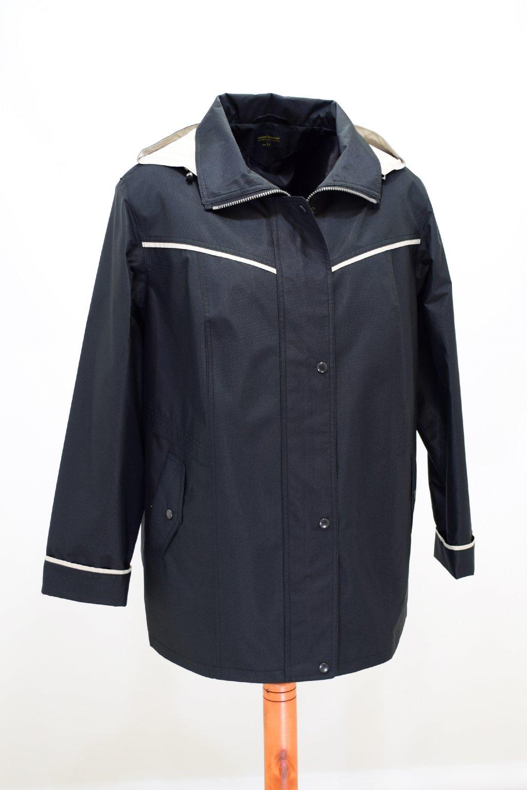 Dámská jarní černá bunda Nikola nadměrné velikosti.