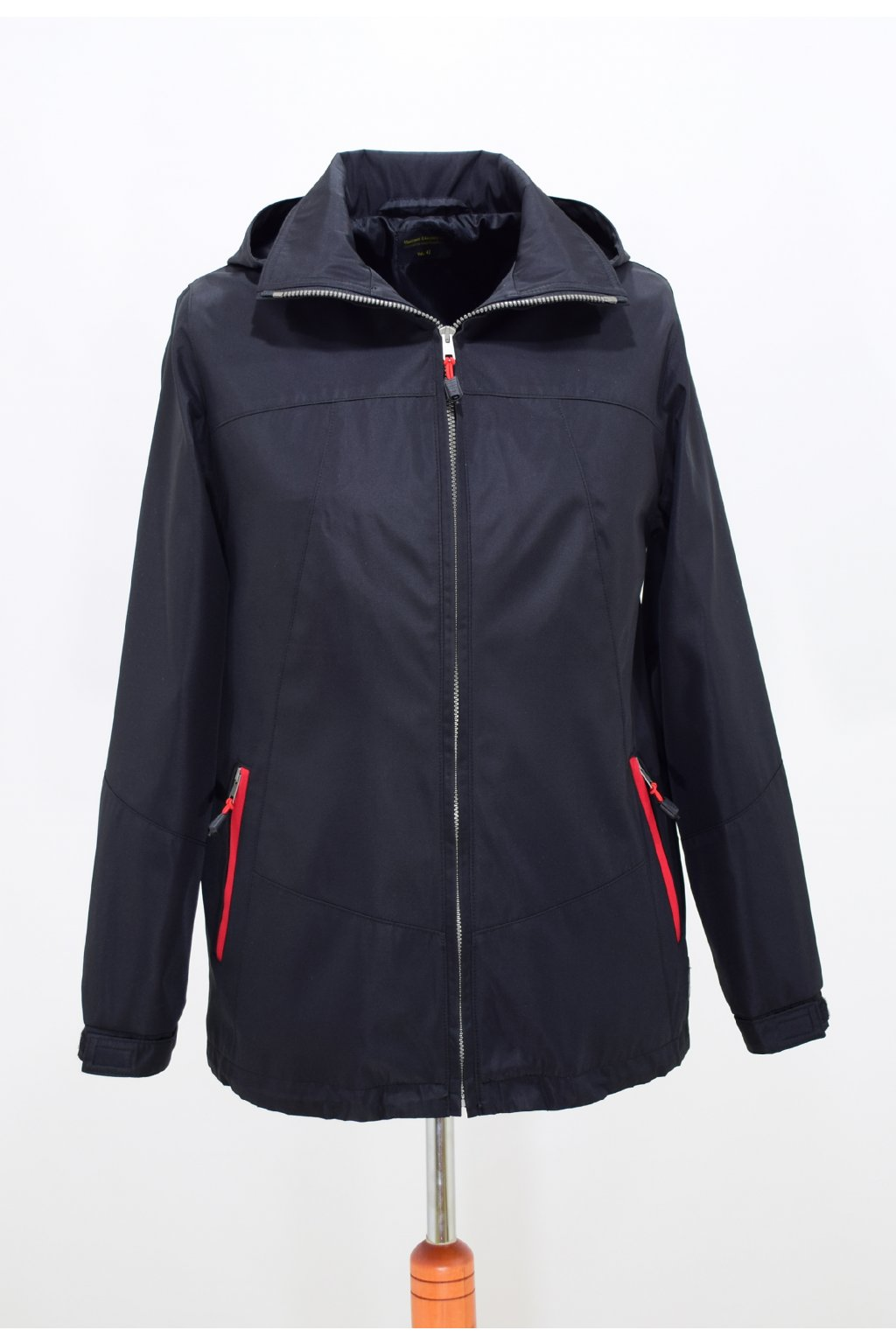Dámská jarní černá bunda Angela nadměrné velikosti.