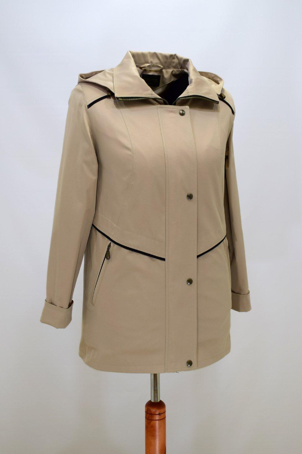 Dámská béžová jarní bunda Edita nadměrné velikosti.