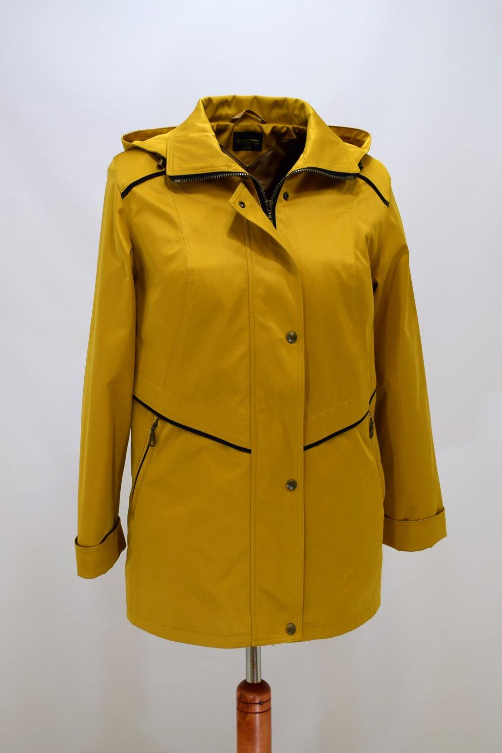 Dámská žlutá jarní bunda Edita nadměrné velikosti.