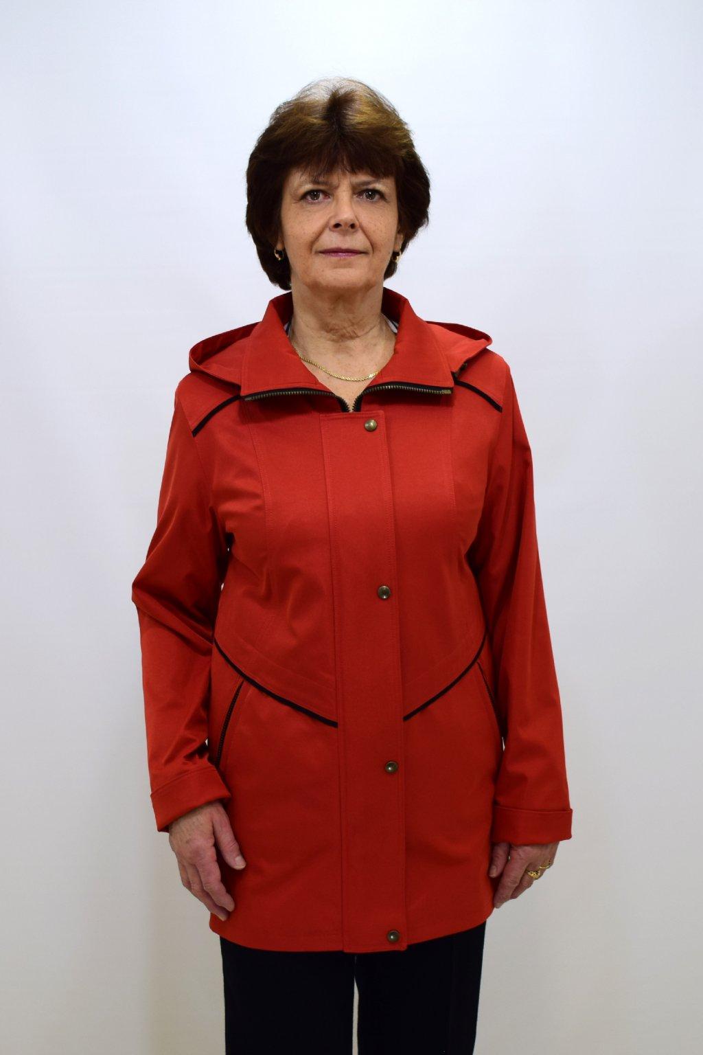 Dámská oranžová jarní bunda Edita nadměrné velikosti.