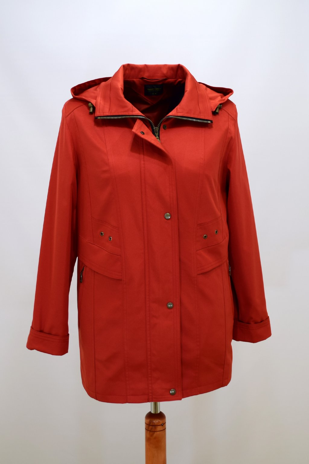Dámská oranžová jarní bunda Helena nadměrné velikosti.
