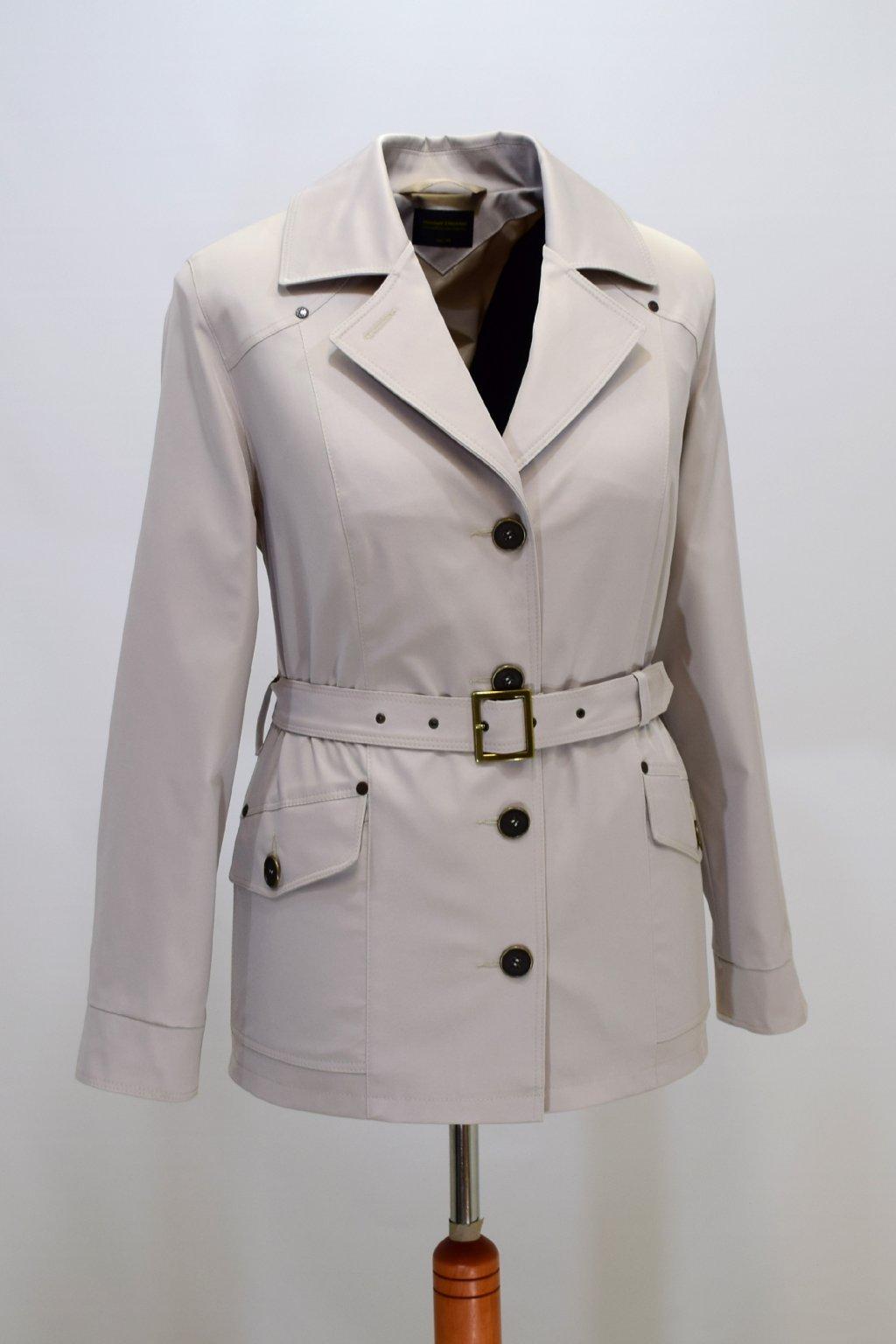 Dámský smetanový jarní kabátek Gábina nadměrné velikosti.