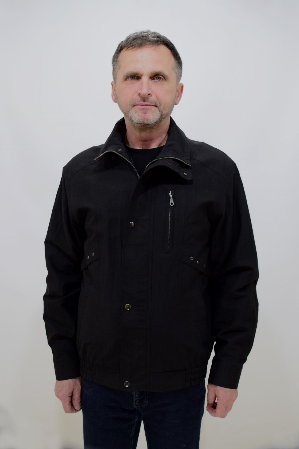 Pánská jarní černá bunda Boris nadměrné velikosti.